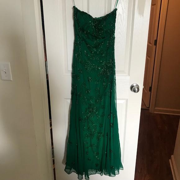 Luxe Dresses & Skirts - Emerald Beaded Dress